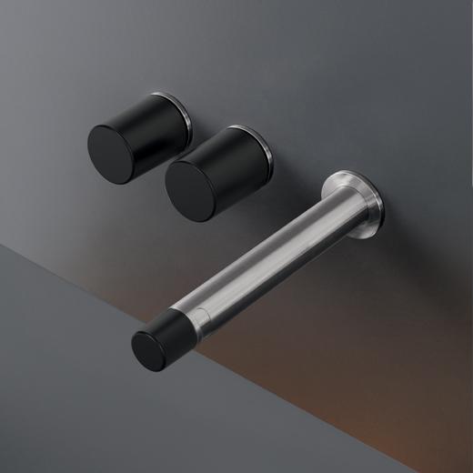 grifo diseño negro y plata Poveda